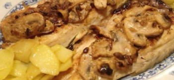Lubina con salsa de champiñones al estragón