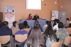 Conferencia en el IMDEEC